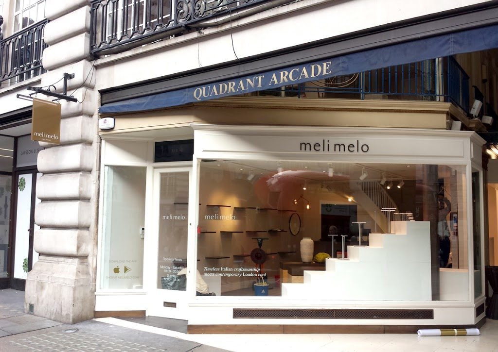 New signage in REGENT Street – Picadilly Circus for MELI MELO Italian fashion accessories.
